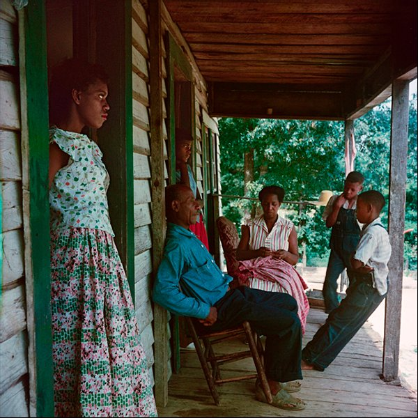 Gordon_Willie_Causey_e_a_sua_familia_Shady_Grove_Alabama_1956.jpg