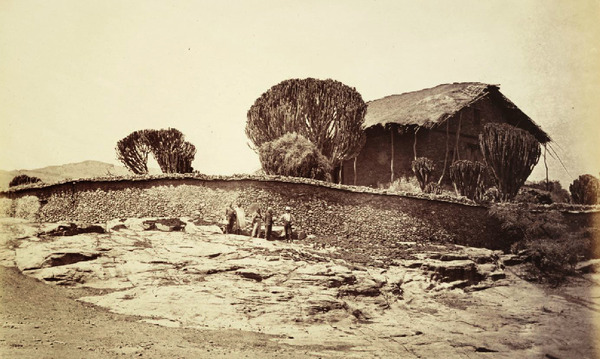 Fotógrafos dos Royal Engineers, Torre de Addigerat, Etiópia, 1868-69_2.jpg