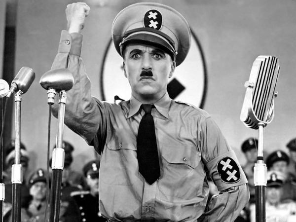 Charles Chaplin no filme The Great Dictator, EUA, 1940.jpg