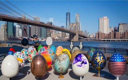 the-big-egg-hunt-ny_giant-easter-eggs-painted-by-artists-throughout-nyc_collabcubed.jpg