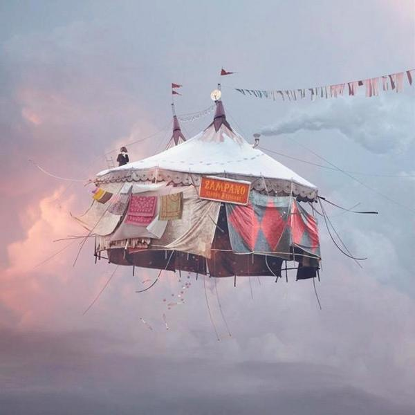 Flying circus by Laurent Chehere.jpg