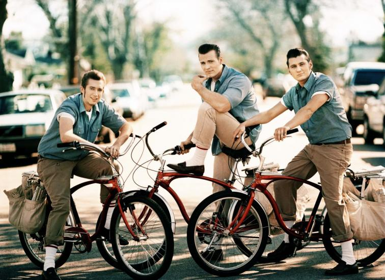 the_baseballs_new_press_picture_4641.jpg