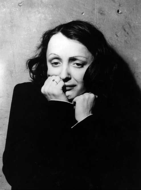 009_edith_piaf_theredlist.jpg