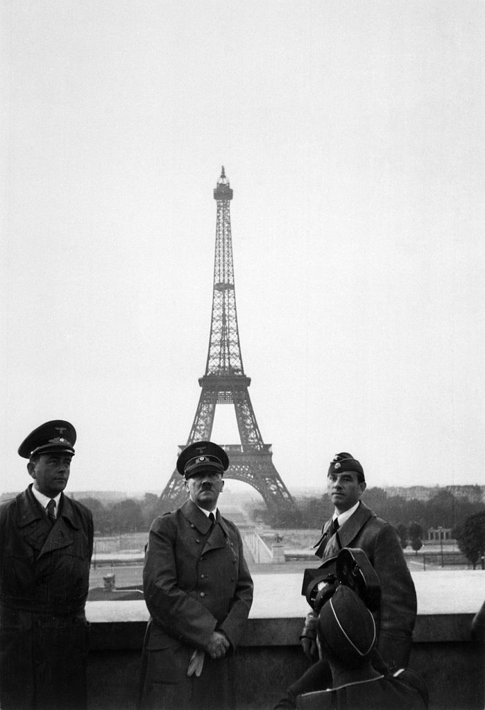 699px-Hitler_in_Paris,_23_June_1940.jpg