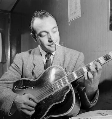 Django-Reinhardt-Photo.jpg