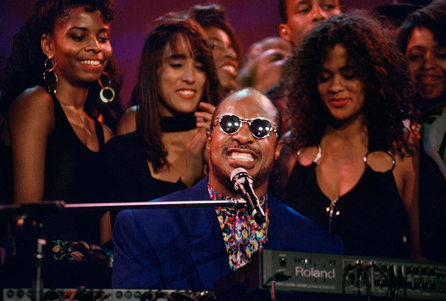 Stevie Wonder atuando em Los Angeles.jpg