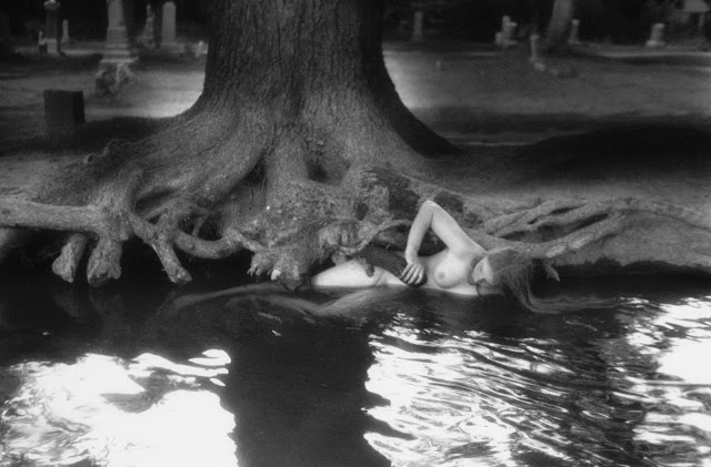 Francesca Woodman, untitled, Boulder, Colorado, 1976.jpg