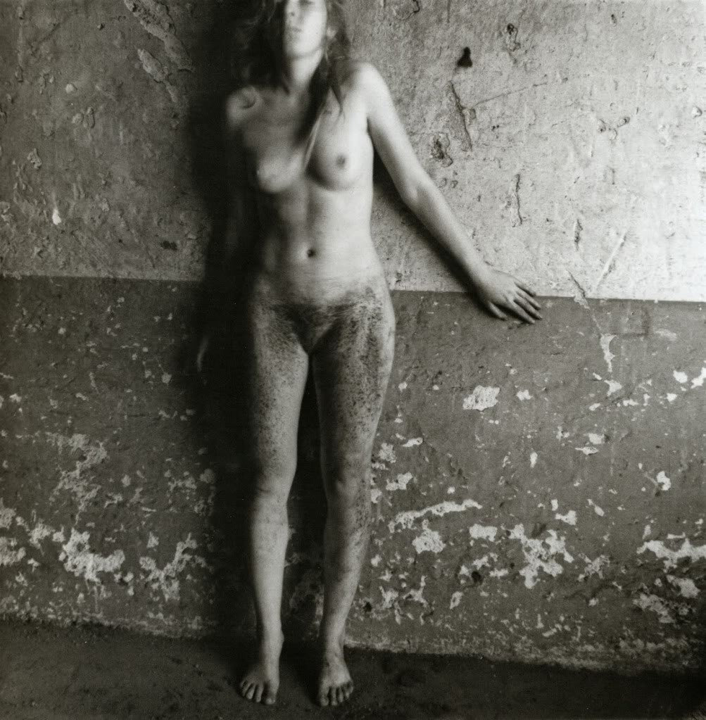 Francesca-Woodman-Book-9.jpg