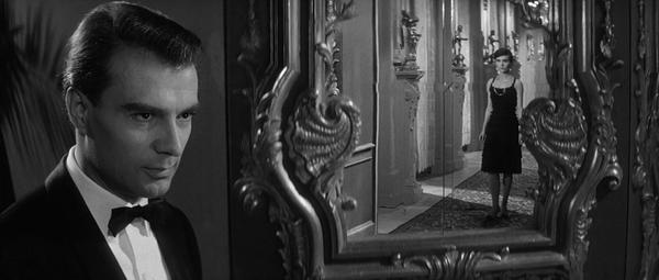 Last.Year.At.Marienbad.1961.BluRay.720p.x264.DDmono-MySiLU.mkv_snapshot_00.42.36_[2013.04.12_23.13.02].jpg