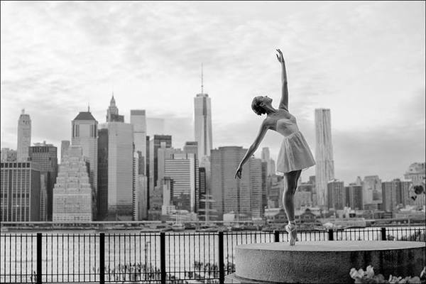 ballerina_project_foto_preto_branco_bailarina_skyline_new_york.jpg