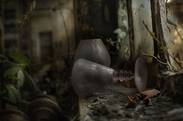 Abandoned-glass-factory-part-of-the-European-Trespassers-Tour-2012-2.jpg