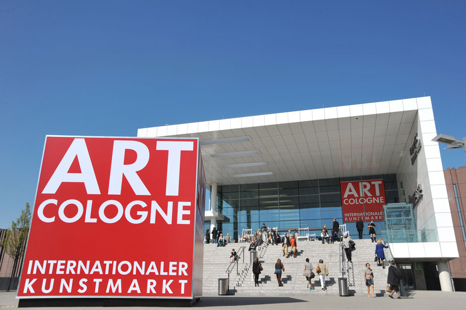 art_cologne_2010_entrance_2531.jpg