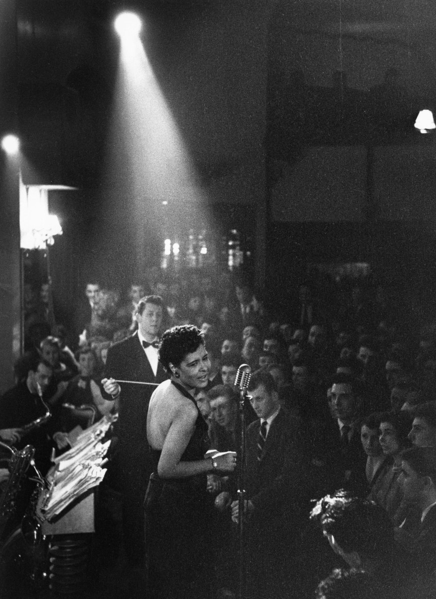 http://lounge.obviousmag.org/isso_compensa/2015/04/05/Billie_Holiday_15.jpg