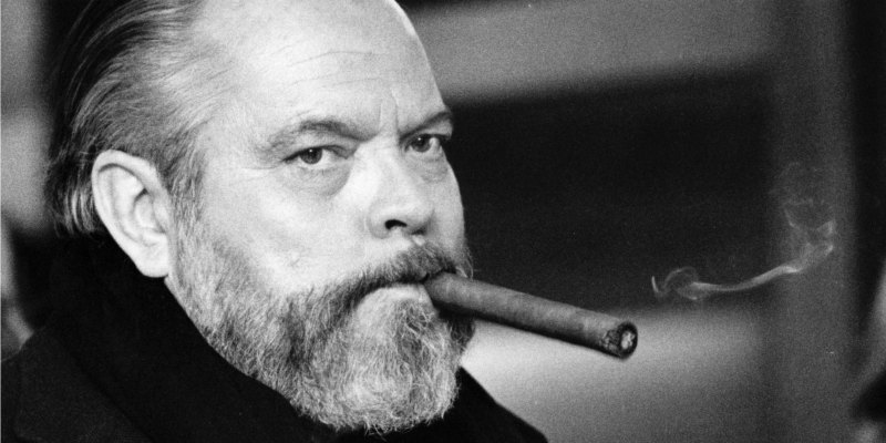 http://lounge.obviousmag.org/isso_compensa/2015/05/08/orson%20welles%20charuto.jpg