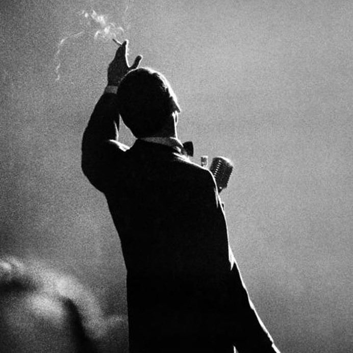 http://lounge.obviousmag.org/isso_compensa/2015/12/14/sinatra_costas.jpeg