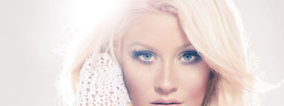 Christina-Aguilera-Lotus_slider_rs.jpg