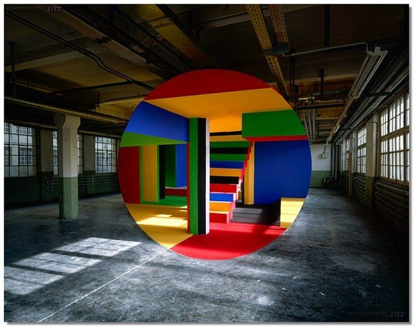 Georges Rousse 2.jpg