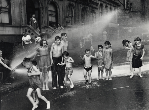 weegee_street_photo_water.jpg