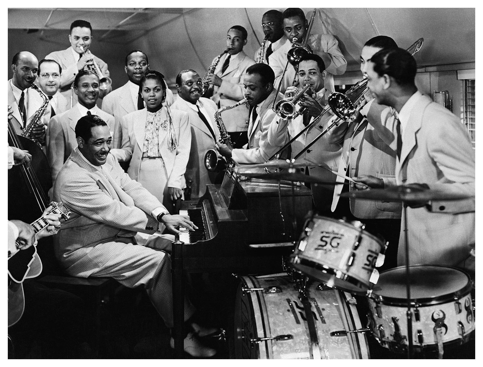 duke-ellington-and-orchestra.jpg