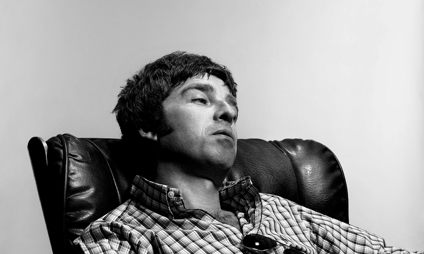 http://lounge.obviousmag.org/particulas_do_acaso/2015/11/07/noel_gallagher.jpg