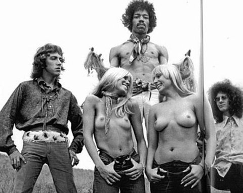 The_jimi_hendrix_experience_hawaii_photo_topless_girls.jpg