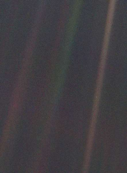 Pale_Blue_Dot_unaltered.jpg