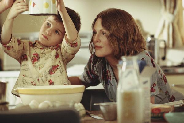 still-of-julianne-moore-and-jack-rovello-in-the-hours.jpg