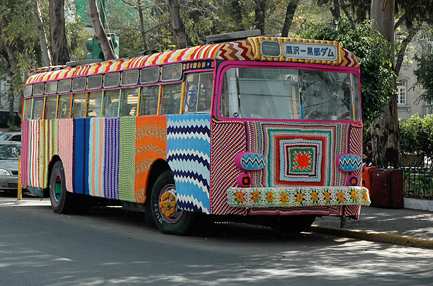 http://lounge.obviousmag.org/sobre_lacos_/groovy%20bus%20-times.jpg
