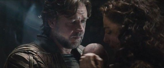 http://lounge.obviousmag.org/sociocratico/2013/07/17/imagens/Man-of-Steel-Trailer-Images-Jor-El-Russell-Crowe-and-Lara-with-Baby-Kal-El-570x237.jpg