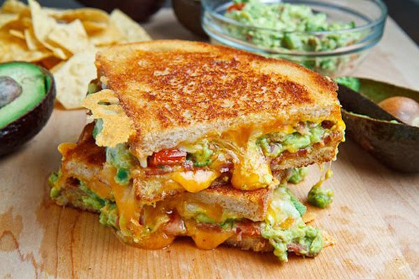 Bacon Guacamole Grilled Cheese Sandwich 500 1953.jpg