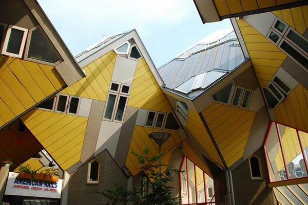 Cubic Houses (Rotterdam, Netherlands).jpg