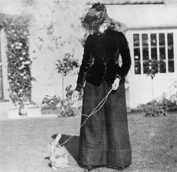 Beatrix Potter with rabbit, Benjamin Bouncer, 1891.jpg