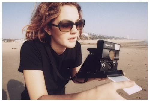 Celebrities with Their Vintage Cameras (33).jpg