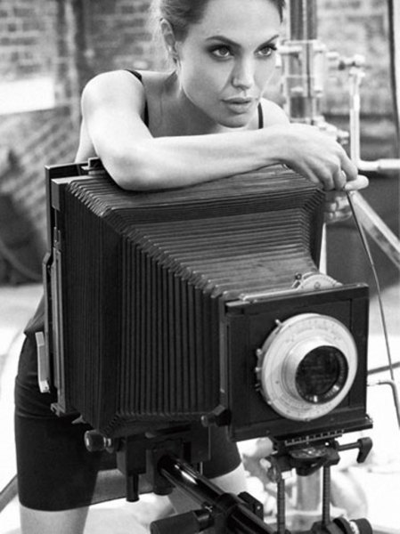 Celebrities with Their Vintage Cameras (4).jpg