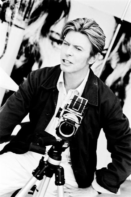 Celebrities with Their Vintage Cameras (6).jpg