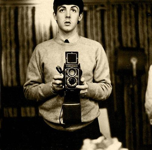 Celebrities with Their Vintage Cameras (7).jpg