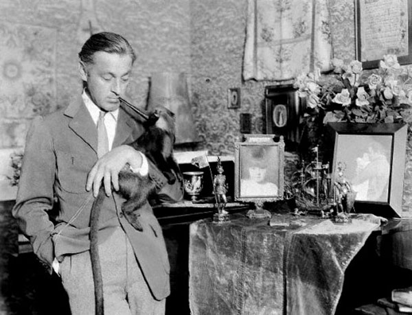 John Barrymore With Pet Monkey.jpg